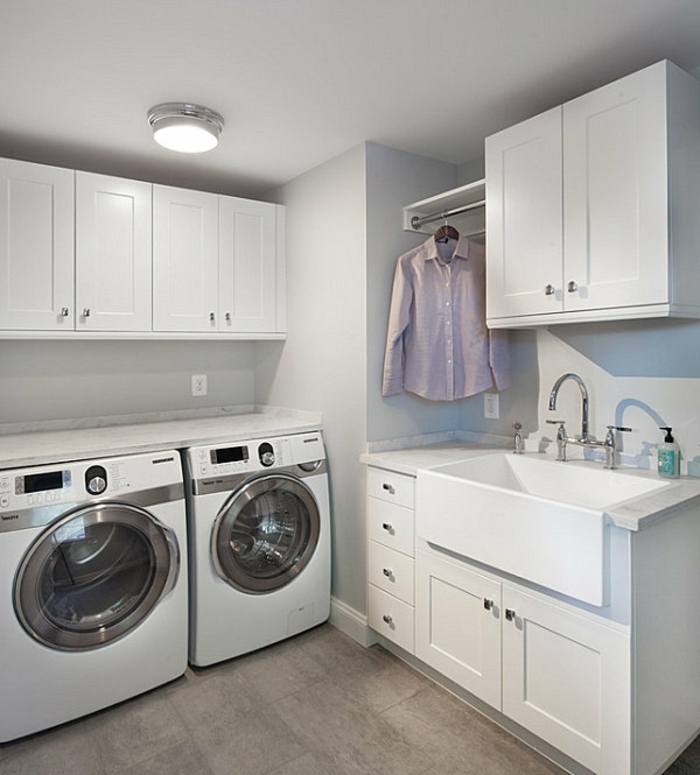 waschküche-einrichten-zwei-waschmaschinen