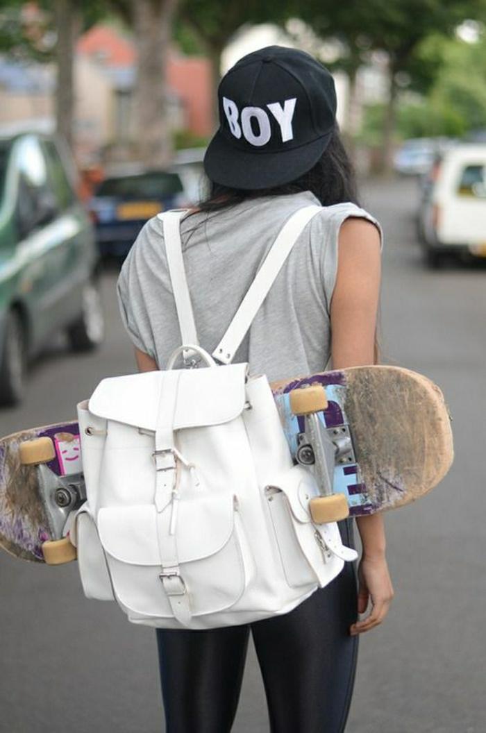 weißer-Leder-Rucksack-Damen-Skateboard-Mädchen