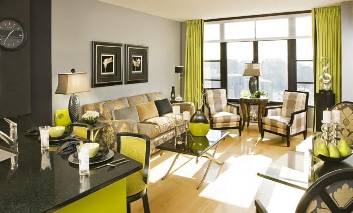 wohnzimmer-mit-küche-grüne-gardinen