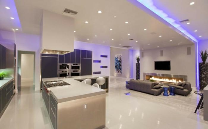wohnzimmer küche design:wohnzimmer-mit-küche-ultramoderne-lila-beleuchtung