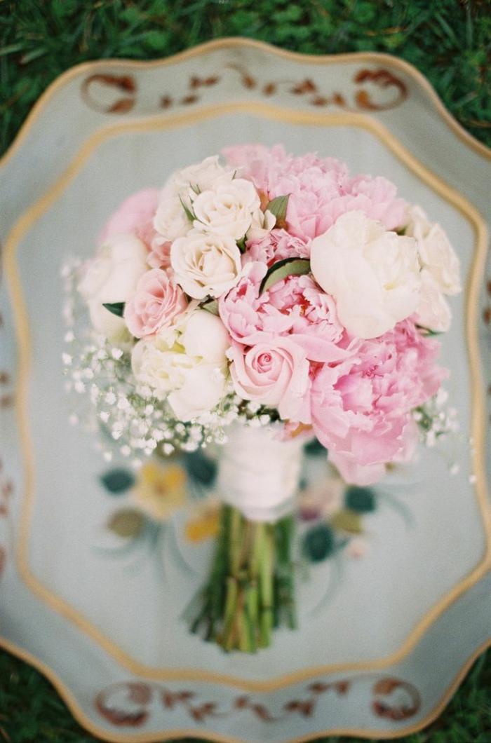 wunderbare-blumensträuße-mit-wunderschönen-blumen-dekoration-deko-mit-blumen-