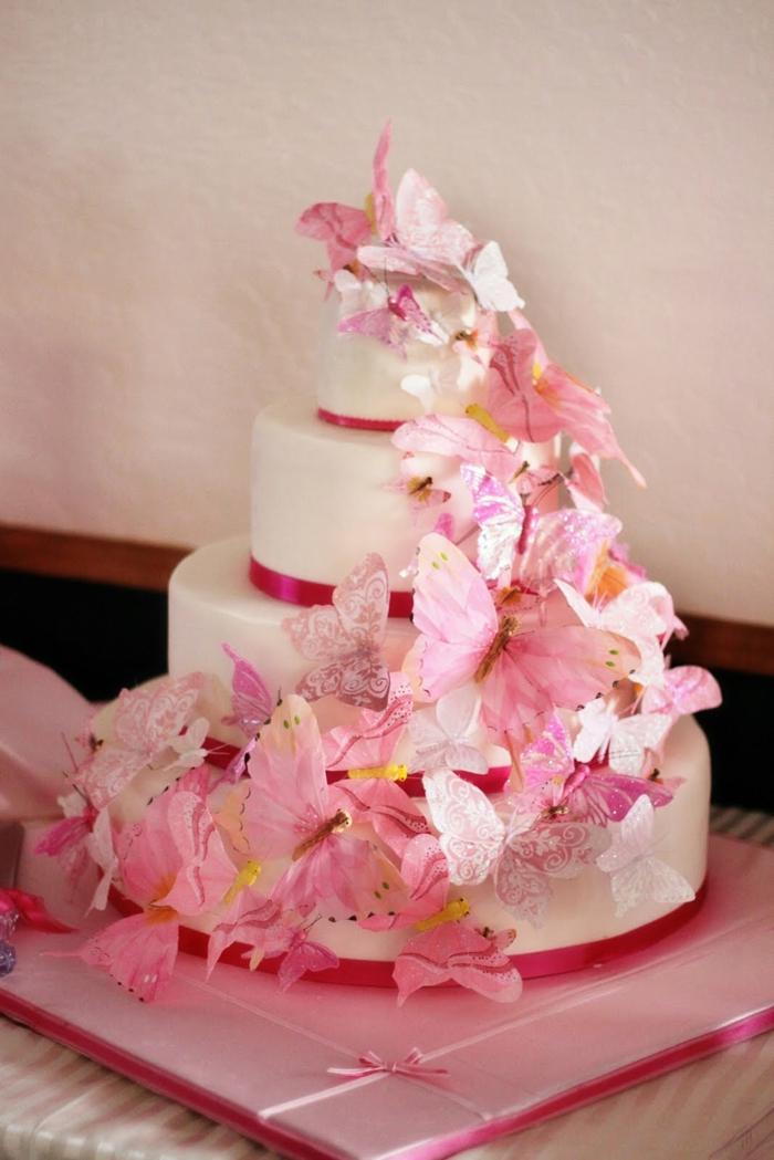 wunderschöne-rosige-mädchen-torte