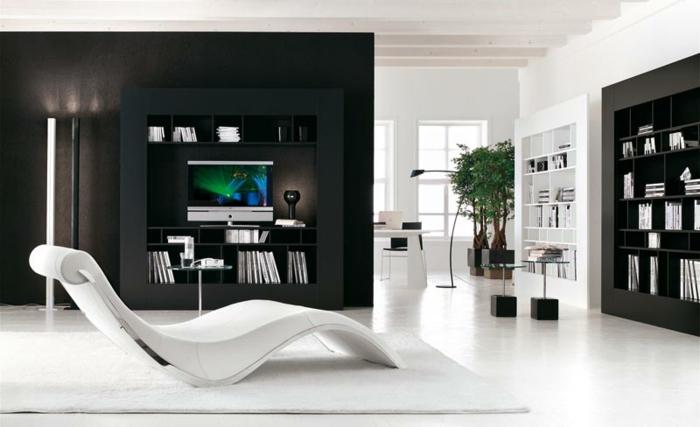 zimmer-inspirationen-schwarze-wand-und-weißer-liegestuhl