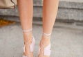 Die Sandalen mit Absatz – immer im Trend