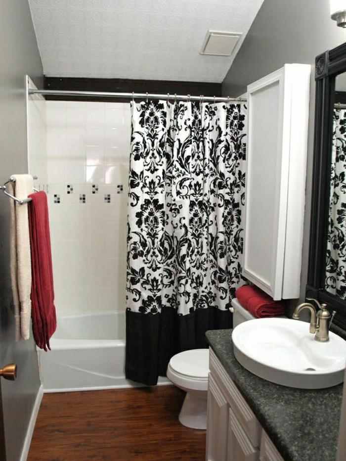 Badezimmer-Waschbecken-Tücher-Badewanne-schwarz-weiße-Gardinen