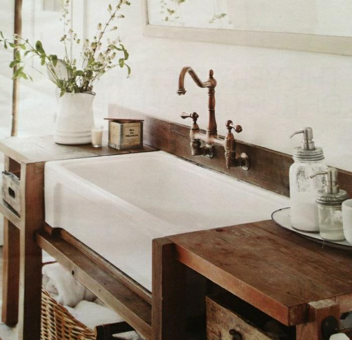 Badezimmer-rustikale-Möbel-authentisch-Landhausstil