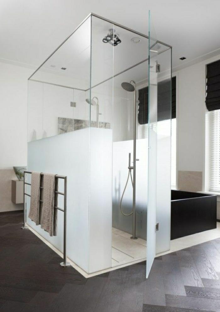 Duschabtrennung-mattes-Glas-Bodenfliese-Platzierung