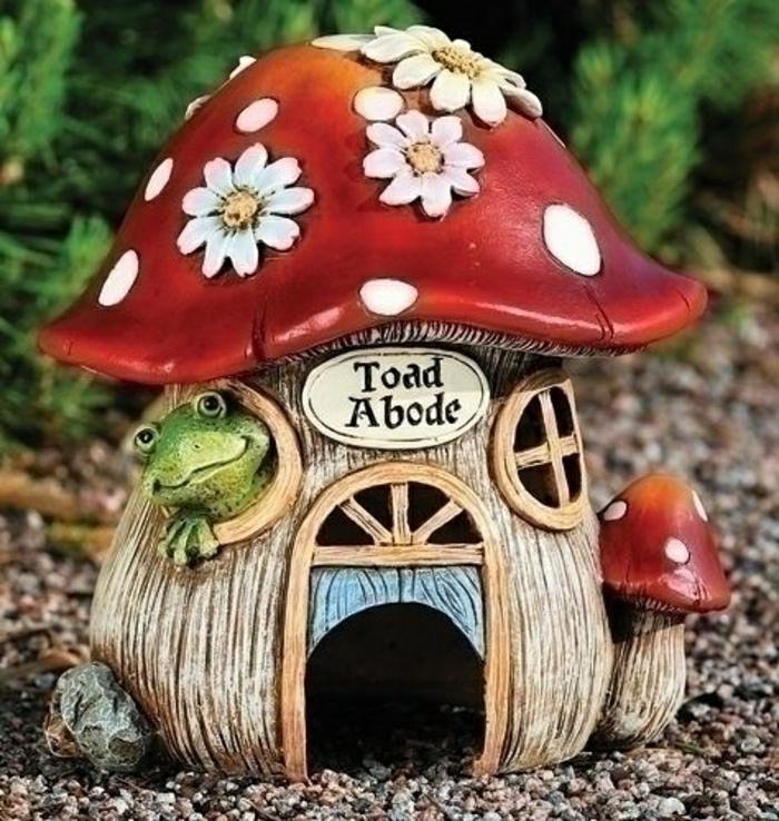 Frosch-Haus-Keramik-im-Hof-Dekoration-Garten