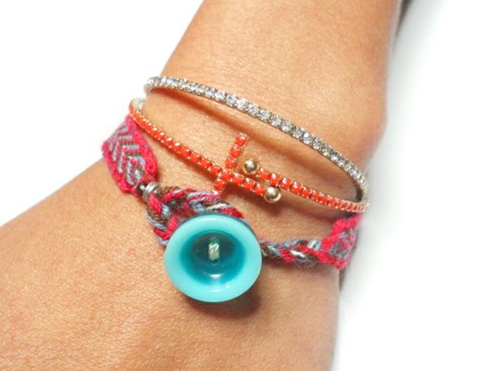 Hippie-Armband-Garn-vintage-türkisblauer-Knopf-Boho-Accessoires