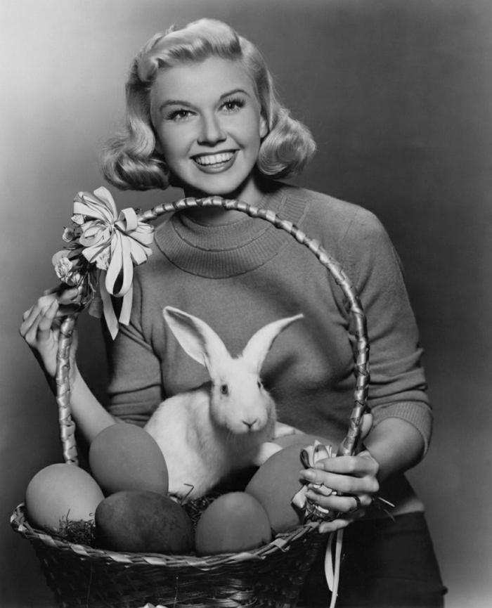 Hollywood-Schauspielerin-Doris-Day-Korb-Hase-Eier
