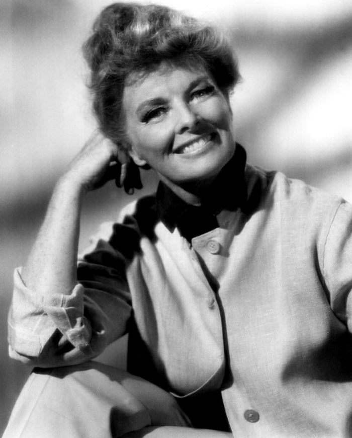 Katharine-Hepburn-älter-schön-schwarz-weißes-Foto