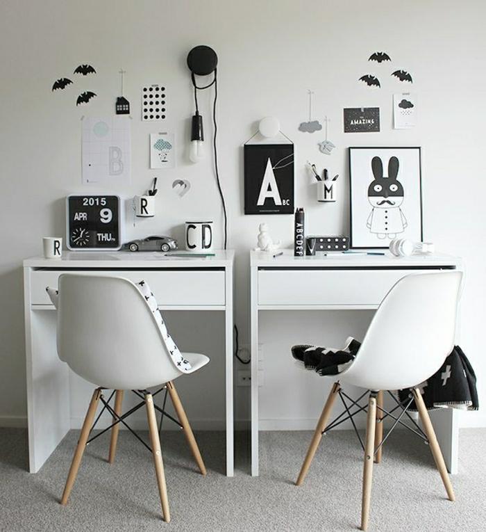 Kinderzimmer-kleine-Designer-Schreibtische-modern-aktuell-weiß-Stühle-Fotos-Wandtattoos-Fledermäuser