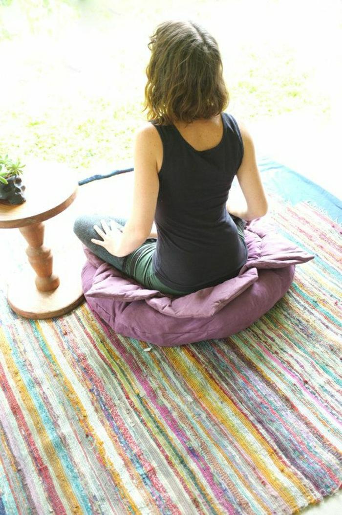 Lotus-Yoga-Meditation-Kissen-lila-Farbe