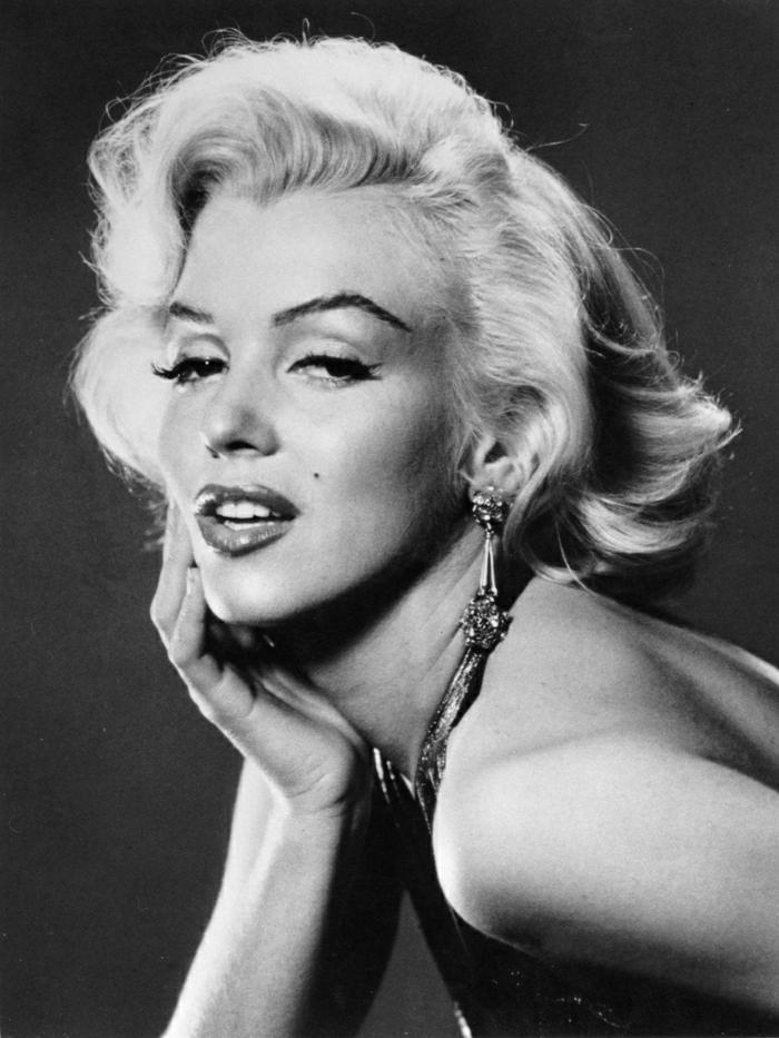 Marilyn-Monroe-schwarz-weißes-Foto-schön-attraktiv