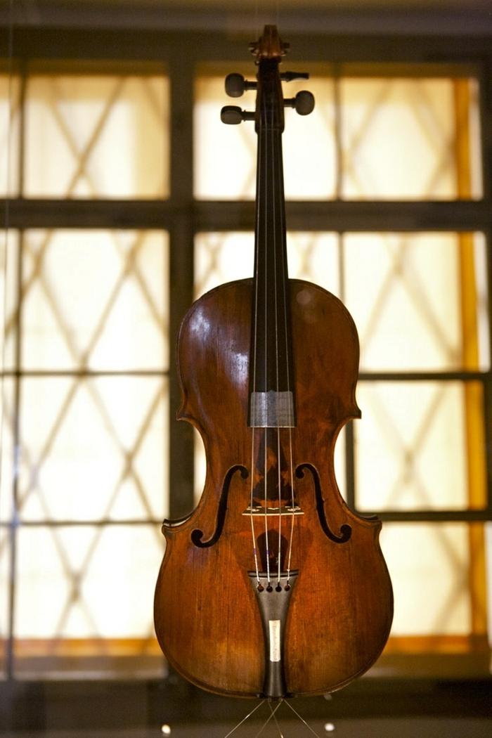 Mozarts-Violine-Salzburg-Österreich-Reliquie