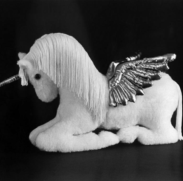 Pegasus-Einhorn-Plüsch-Garn-weiß-silberne-Flügel-Horn