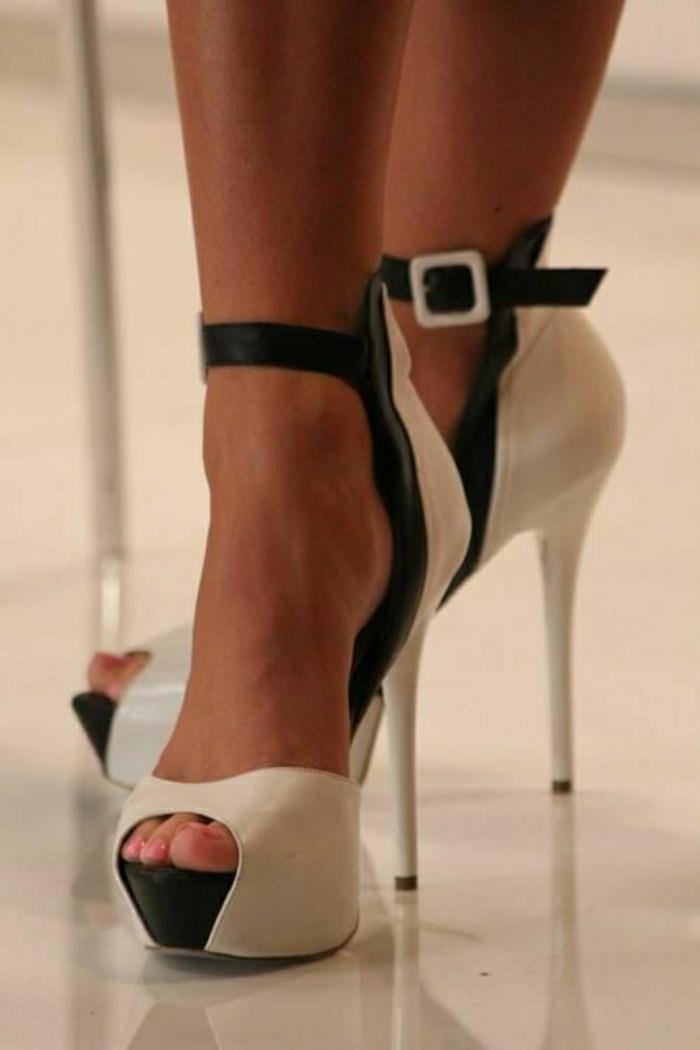 Sandalen-schwarz-weiß-Absatz-schickes-Modell