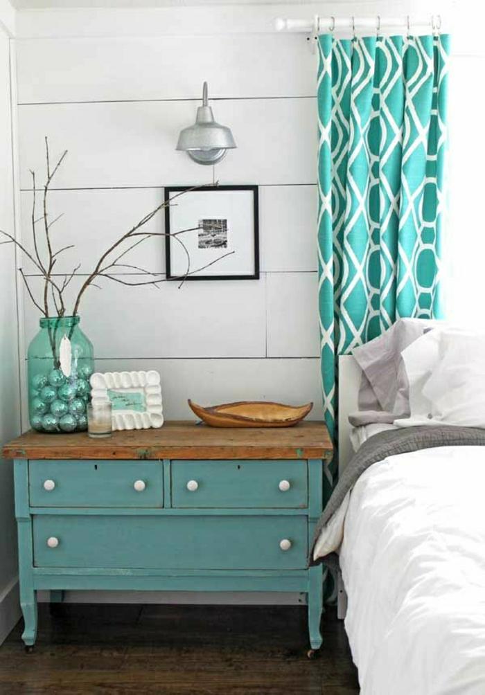 Schlafzimmer-Kommode-Einweckglas-Gardinen-Minze-Farbe