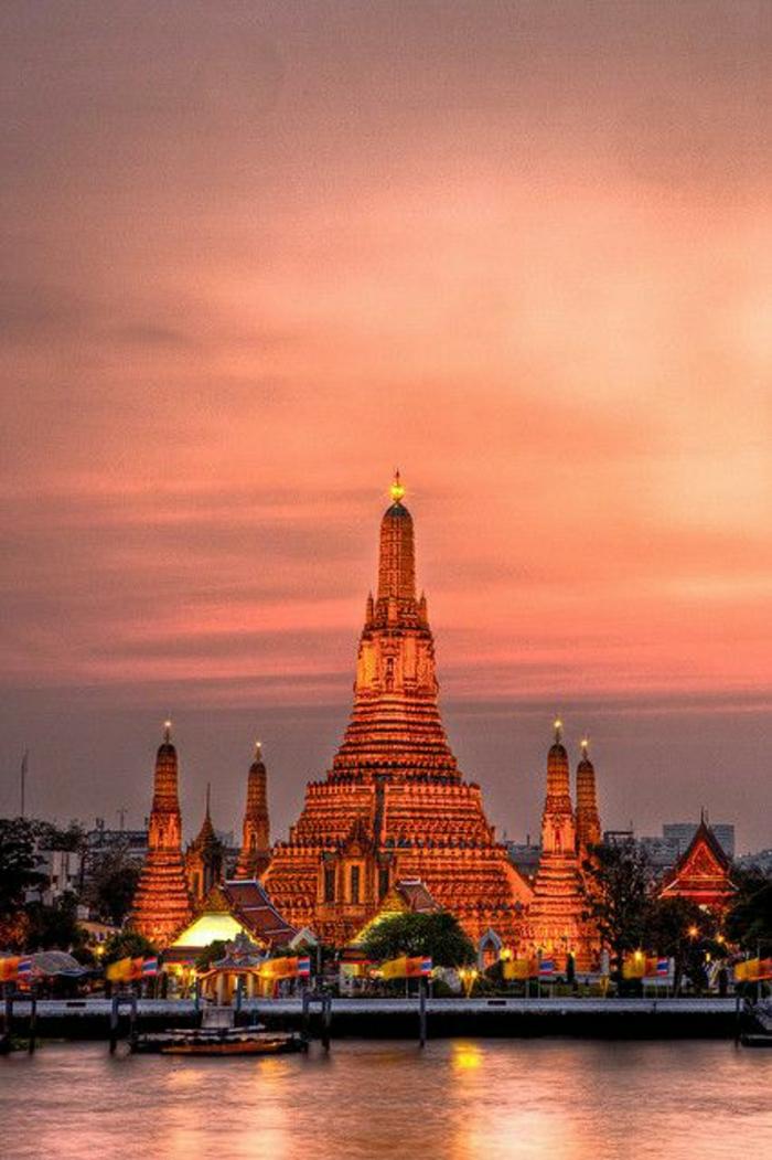 Sonnenuntergang-Foto-Bangkok-Thailand-Wasser