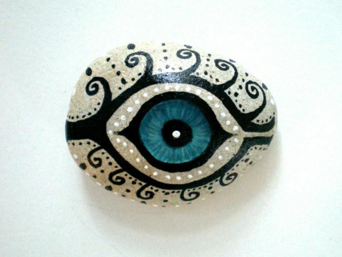 Stein-handgemalt-mystisches-böses-Auge-blau