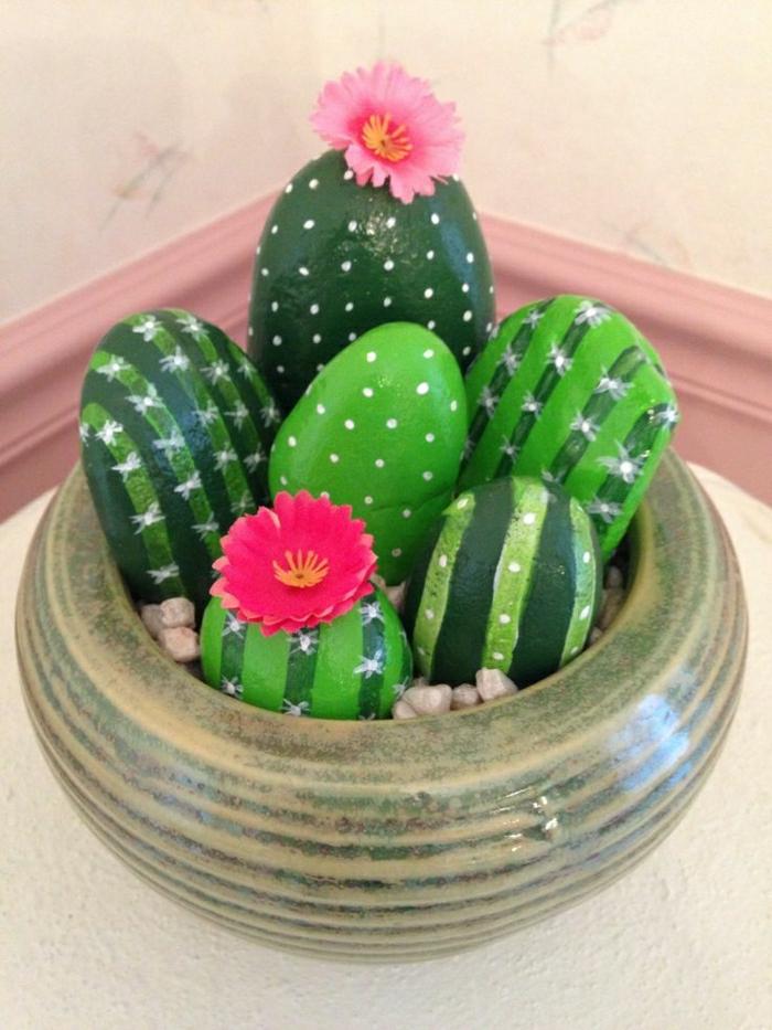 Steine-bemalt-Kakteen-Blumen-Dekoration