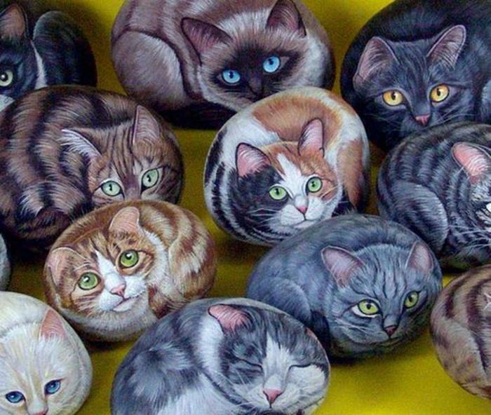 Steine-bemalte-Katzen-Fell-Augen-verschiedene-Farben