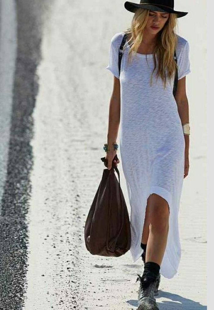 T-Shirt-Kleid-weiß-lang-sommerliches-Modell