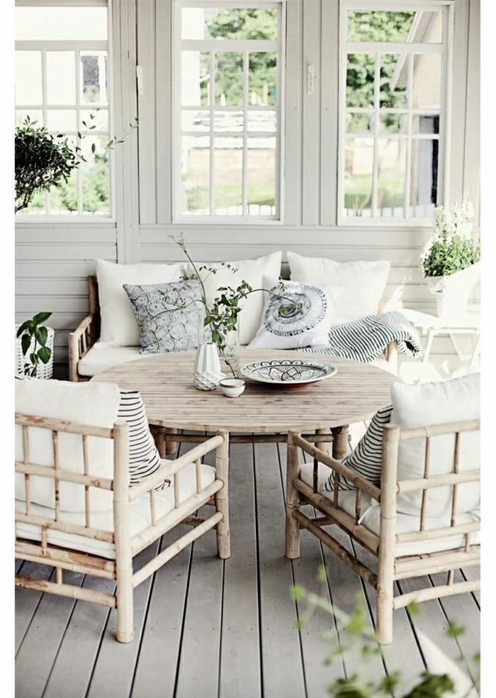 VIlla-Garten-rustikale-Gestaltung-weiß