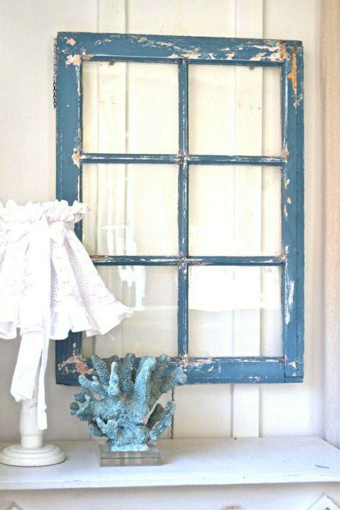 Wand-Dekoration-blauer-vintage-Fenster-Rahmen-Lampe