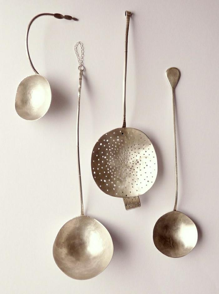 Wanddekoration-Ideen-Kollektion-silberne-Löffel