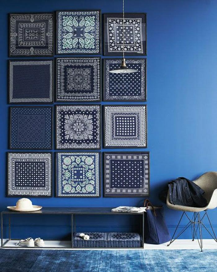 Wandgestaltung-Dekoration-blaue-Bandanas