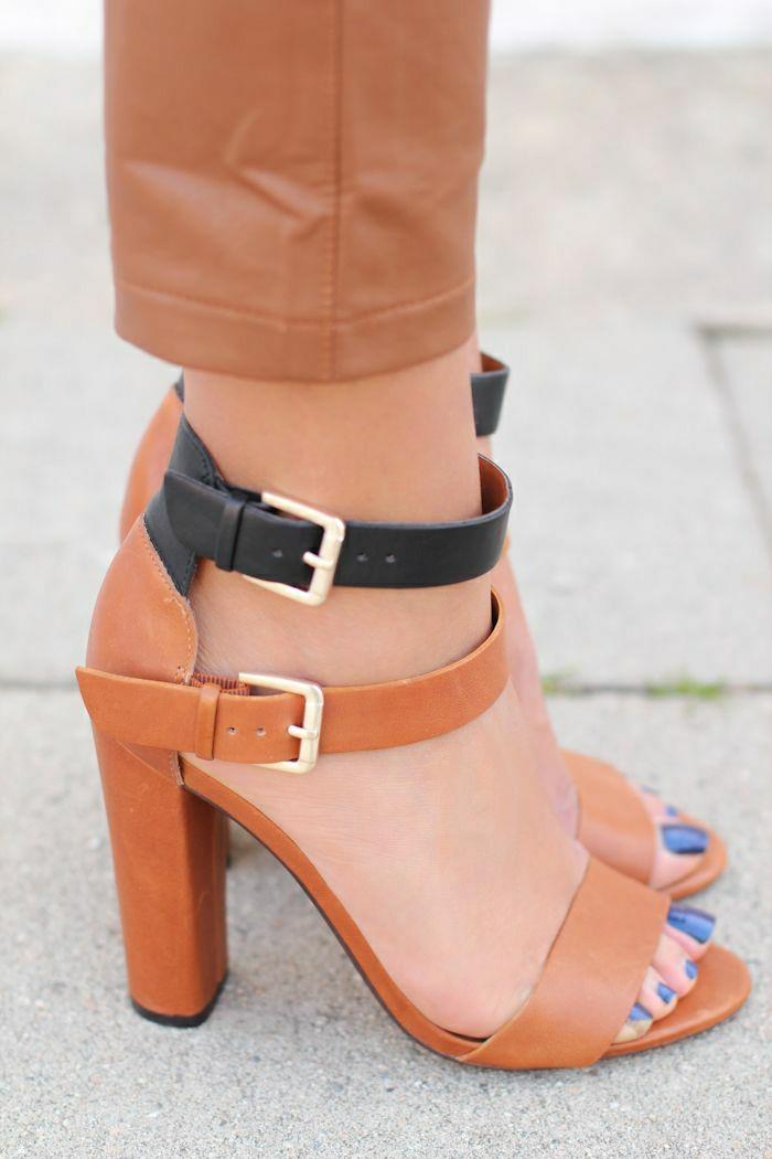 Zara-Leder-Sandalen-Absatz-Schnallen-schwarz-braun-lila-Nagellack