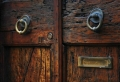 Alte Haustüren als Alternative des unpersönlichen Stils