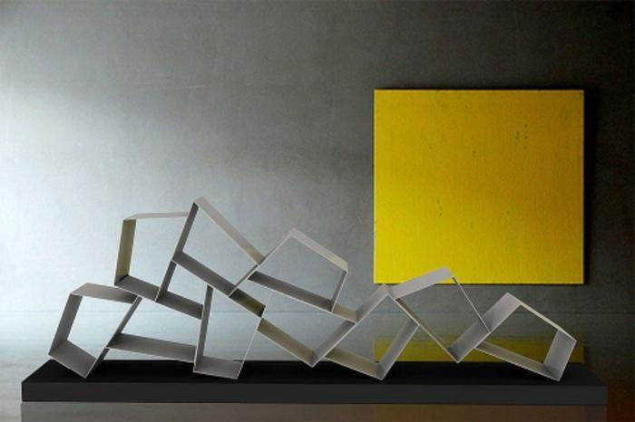 ausgefallene-wandgestaltung-grau-und-gelb