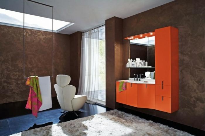 ausgefallene-wandgestaltung-orange-schrank