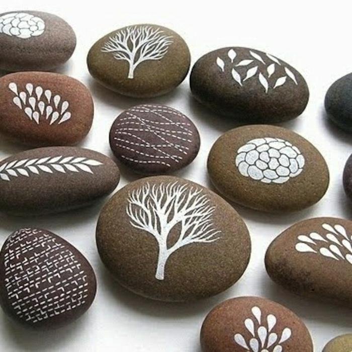bemalte-Steine-Naturelemente-schön-cool