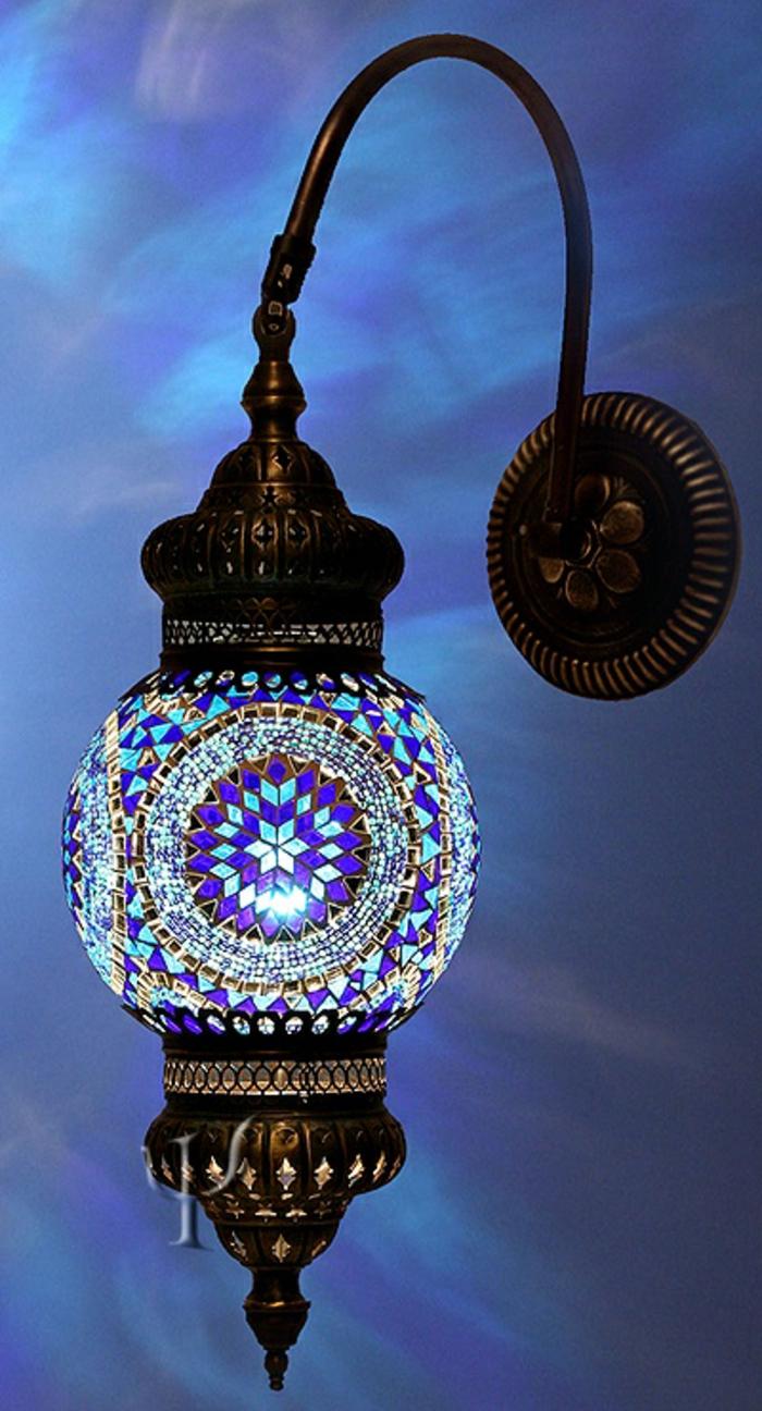 blaues-glas-coole-lampe