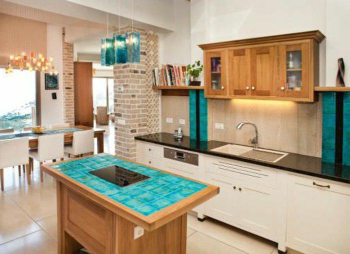 blaues-glas-sehr-tolle-küche