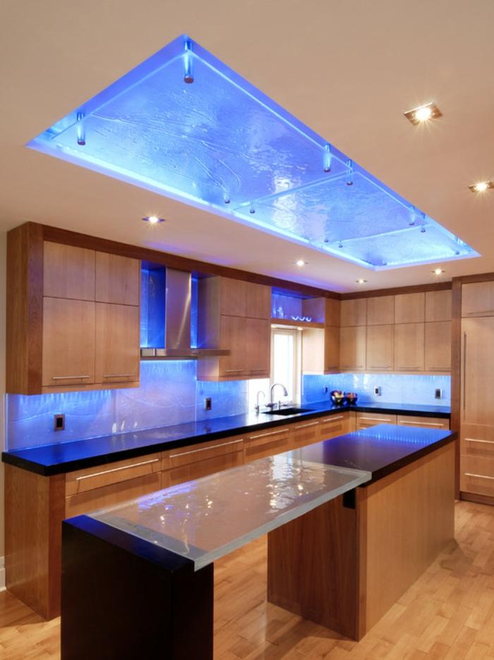 blaues-glas-unglaubliche-beleuchtung