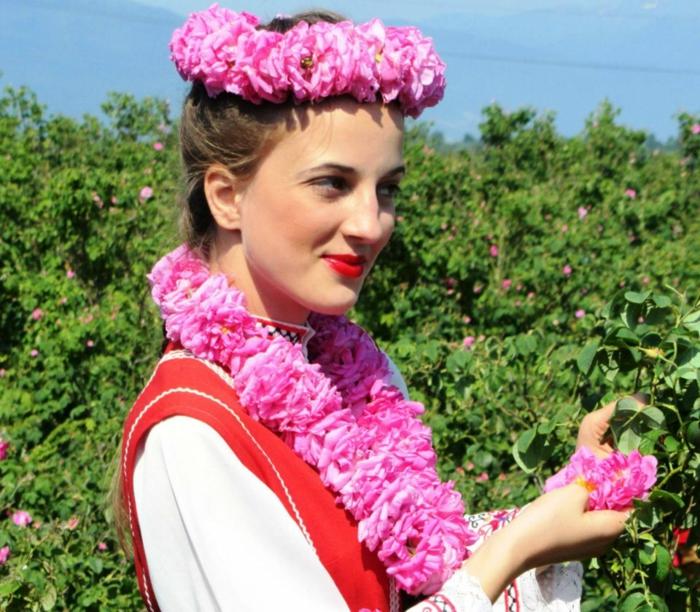 bulgarische-rose-eine-sehr-schöne-bulgarische-dame