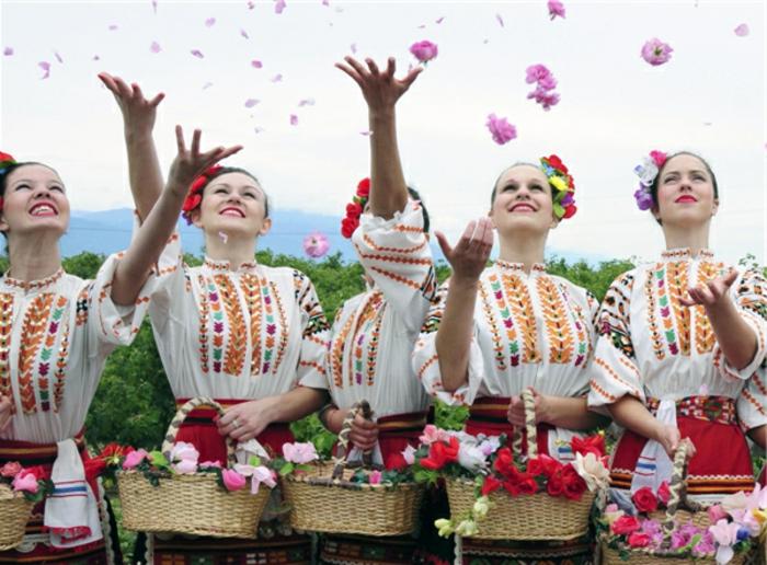bulgarische-rose-frauen-haben-spaß