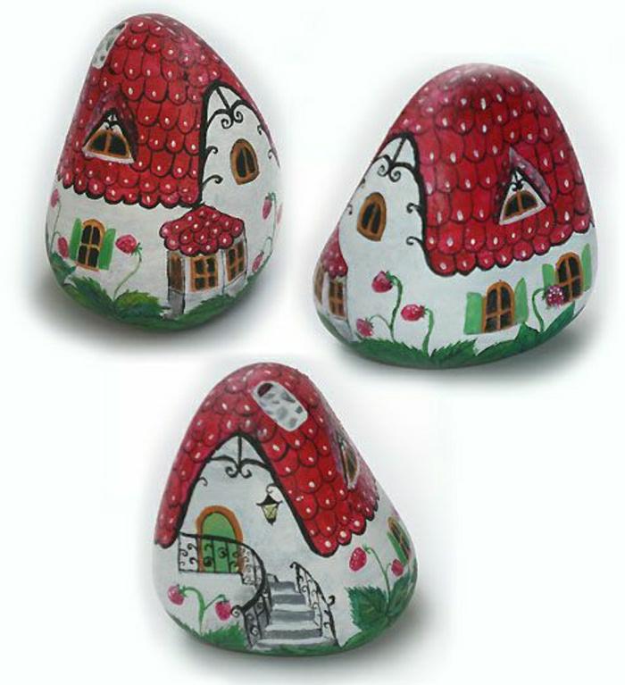 drei-handgemalte-Steine-Häuser-Zeichnungen-rote-Dächer