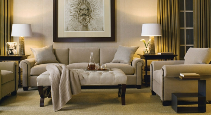 elegantes-wohnzimmer-großes-bild-an-der-wand