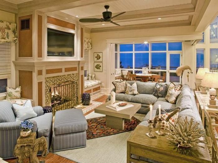 elegantes-wohnzimmer-super-große-fenster