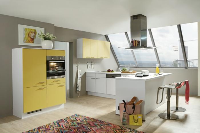 farbe-in-der-küche-dachwohnung-sehr-modern
