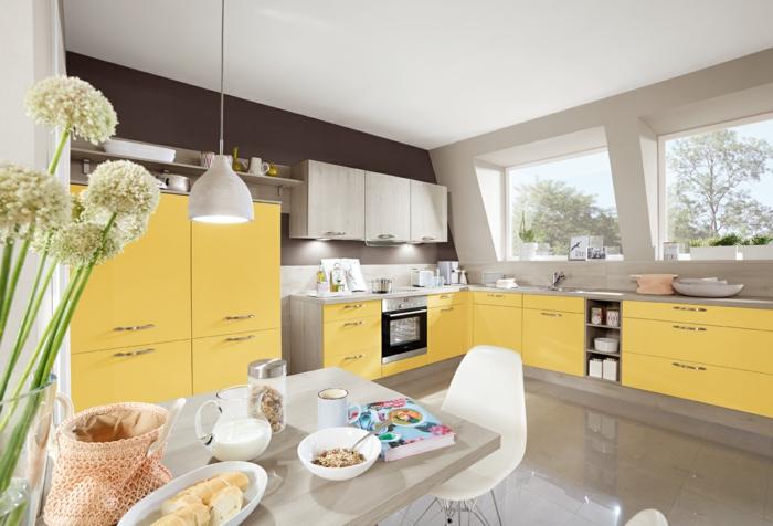 farbe-in-der-küche-gelbe-schränke