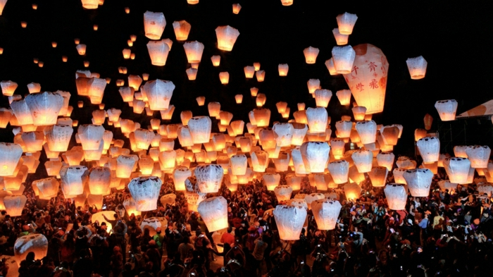 festival-Taiwan-viele-Himmelslaternen