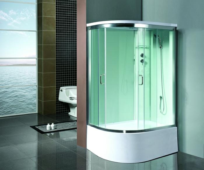 gebogene-grüne-Kabine-Dusche-Toilette-Meeransicht-Fliesen