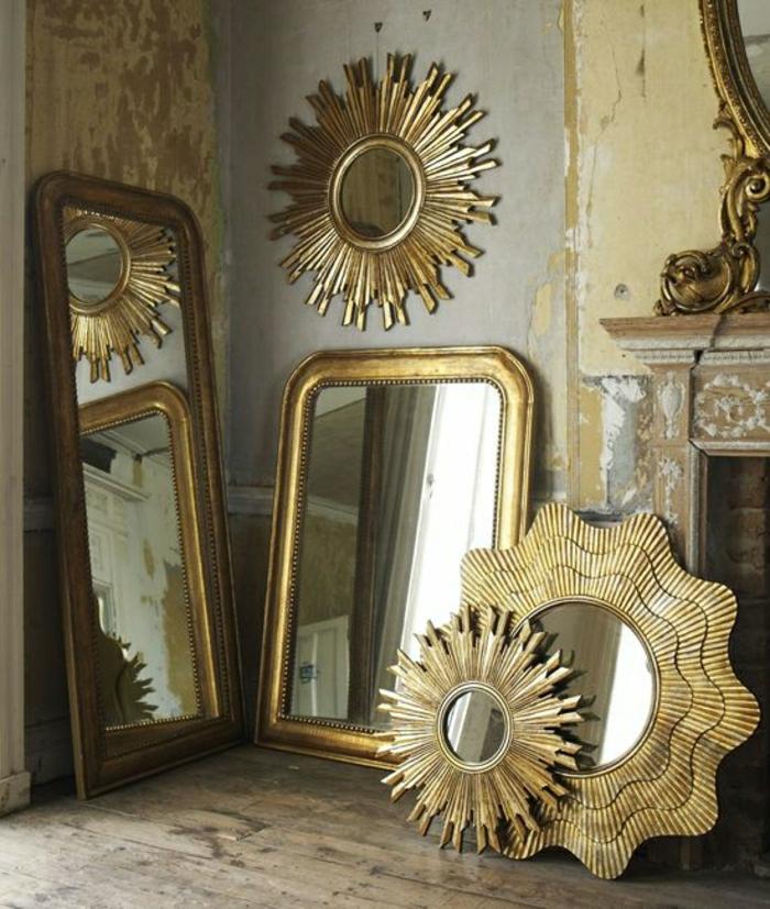 goldene-vintage-Rahmen-Metall-Spiegel-aristokratisch-prachtvoll