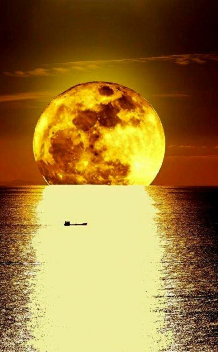 goldener-Sonnenuntergang-Meer-Spiegelung-Ägäisches-Meer-zwischen-der-griechischen-und-anatolischen-Halbinsel